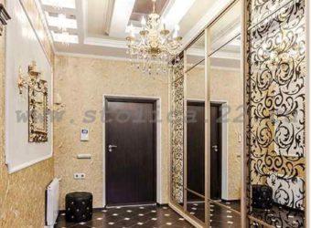 Шкаф-купе встроенный «Золотой Вензель» (наполнение дверей — зеркало+зеркальное полотно пескоструйный рисунок))
